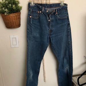 VTG Levi 501 buttonfly jeans 29W raw hem